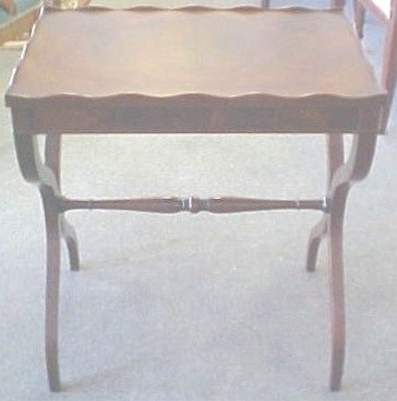 1930 MAHOGANY TEA TABLE